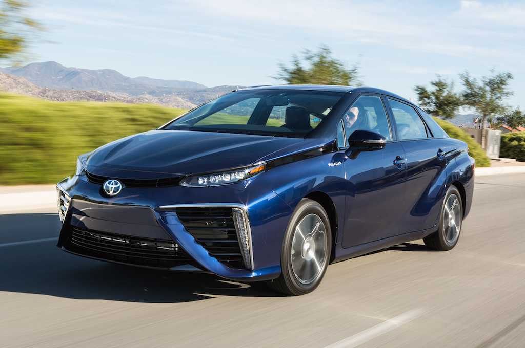 Hydrogen fuel cell cars and hydrogen fuel cell powered buildings
